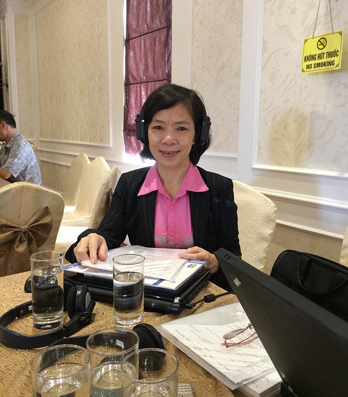 Cô Hằng tham dự hội thảo Khoa học Quốc tế