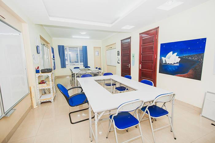 Lớp học tiếng Việt cho người nước ngoài tại iVina